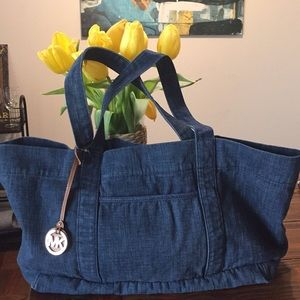 🌺Michael Kors Denim Tote XL🌺